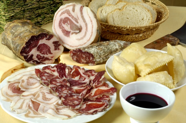 Coppa, salame, pancetta DOP Piacenza - Trattoria della Pesa- Carpaneto - PC *** Local Caption *** per atlante tipico